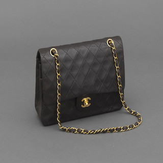 Chanel---Sac-Classique