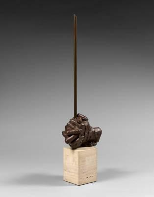 Igor Mitoraj, les mains, sculpture bronze