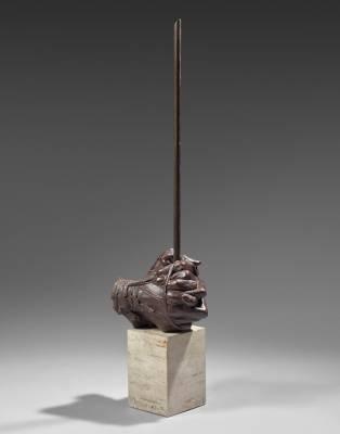 Igor Mitoraj, Les Mains, sculpture