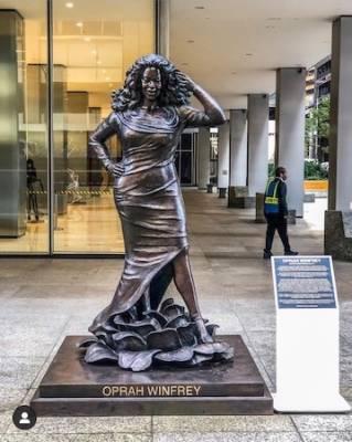 Des sculptures pour l'Egalité par Gillie & Marc