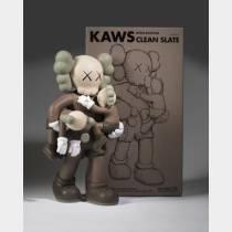 KAWS (1974) - Clean Slate (Brown), 2018 - Figurine en vinyle peint