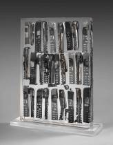 Arman, accumulation de téléphones portables, sculpture