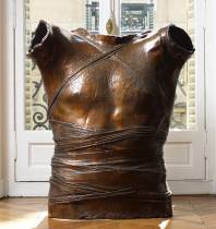 igor Mitoraj, cuirasse, bronze, grand modèle