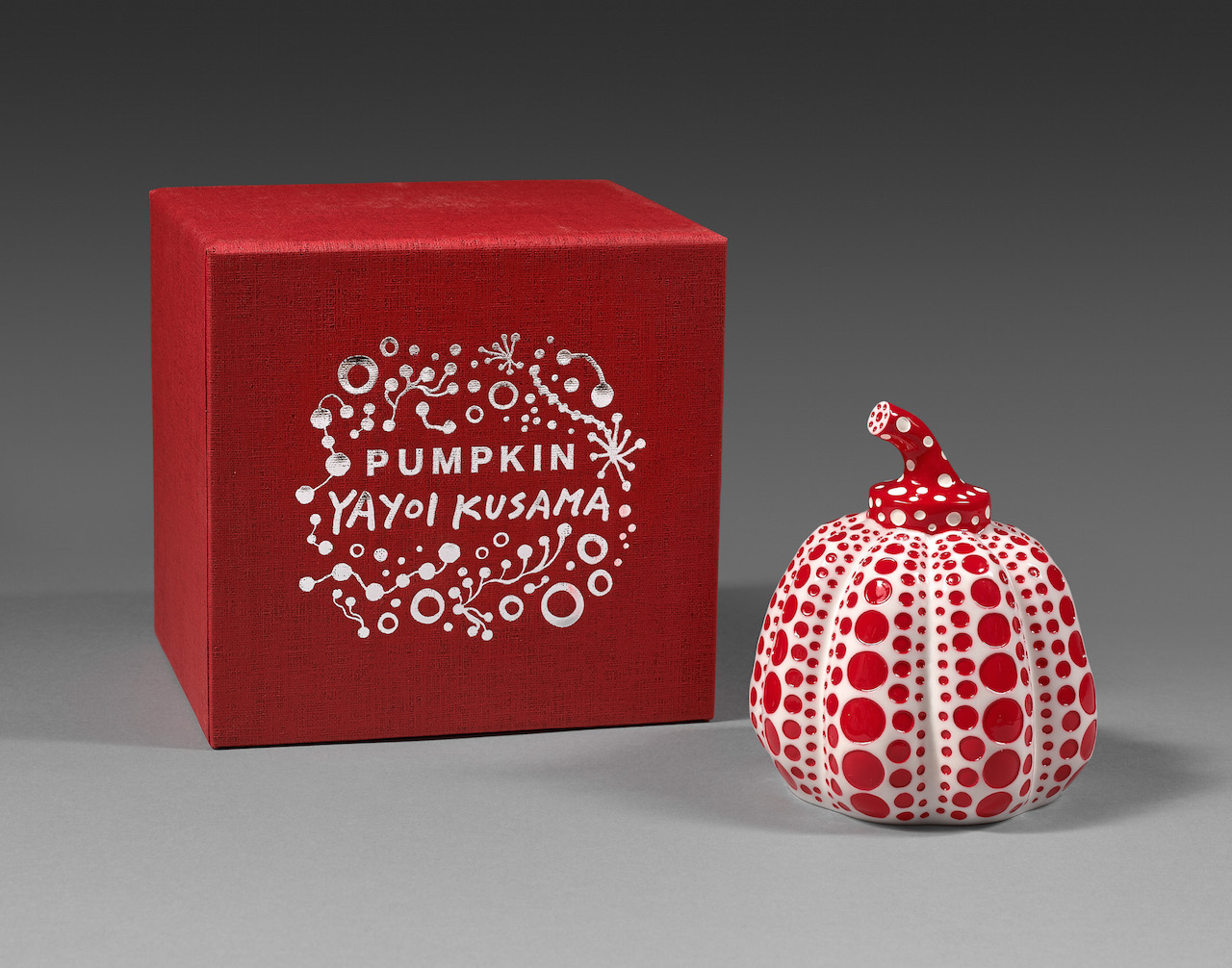 yayoi kusama pumpkin red white vente aux ench res. Black Bedroom Furniture Sets. Home Design Ideas
