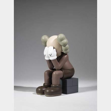 KAWS ( 974) - Passing Through (Brown), 2018 - Figurine en vinyle peint