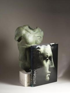 Deux sculptures Igor Mitoraj Persée bronze
