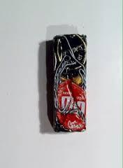 César, compression de capsules, sculpture pendentif