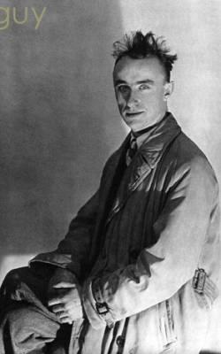 Yves Tanguy, qui était-il, biographie